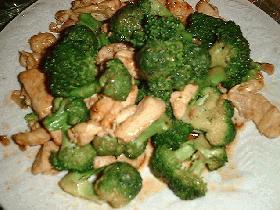 生姜みそレシピ①ブロッコリーと鶏肉の炒め物