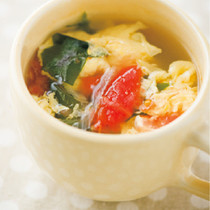 トマトとわかめのかき玉スープ