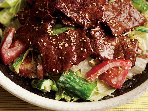 牛肉カルビの焼き肉サラダ