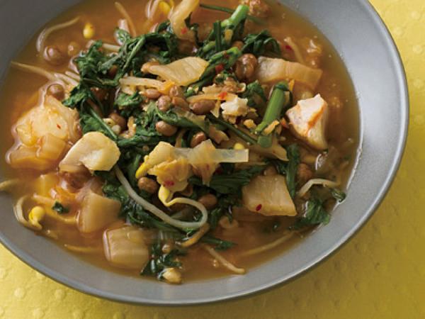 春菊とたらの納豆チゲスープ