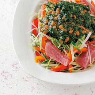 まぐろと水菜、パプリカのサラダねばねばドレッシング