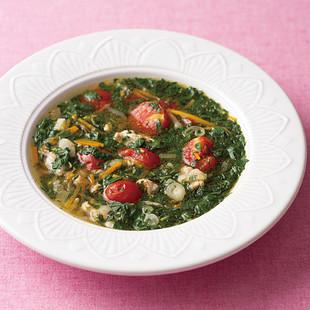 モロヘイヤとミニトマトのエスニックスープ