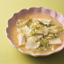 レタスとはんぺんの豆乳みそスープ