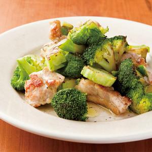 ブロッコリーと鶏もも肉のグリル