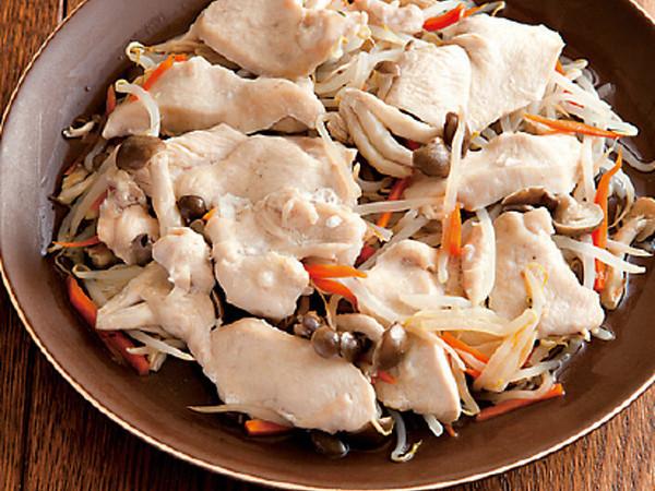 野菜と鶏胸肉の蒸し煮