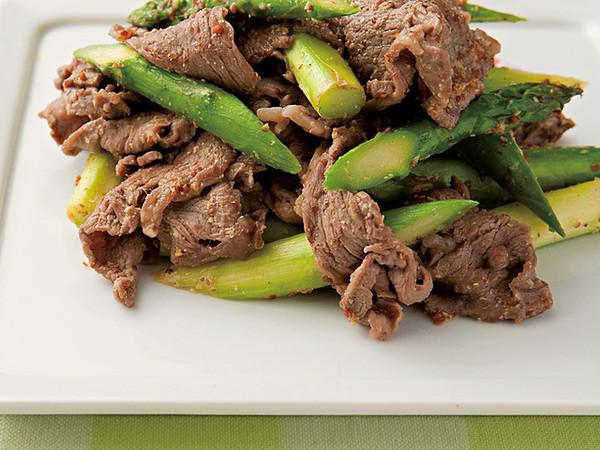 アスパラガスと牛肉の炒め物