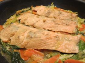 秋鮭の甘辛マヌカ味噌蒸し