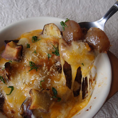 玉こんにゃくとサツマイモの味噌グラタン♪