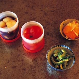 ミニトマトのヌクチャム漬け(写真左から二つ目)