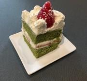 角型でつくるクリスマス抹茶ショートケーキの写真