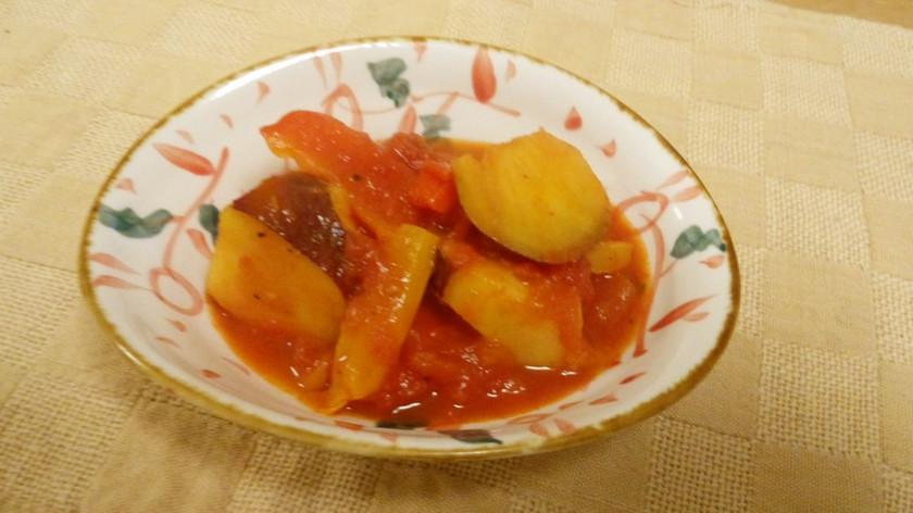 さつまいものトマト煮込み