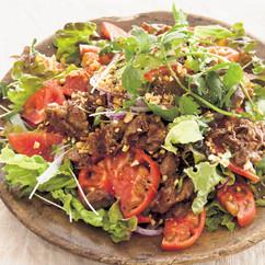 トマトのエスニック焼き肉サラダ