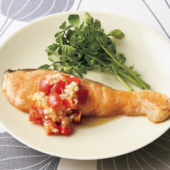 鮭のムニエル サルサソース