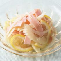 玉ねぎとセロリのレモン風味サラダ