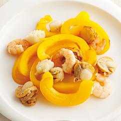 シーフードミックスとジャンボピーマンの炒め物