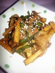 ご飯が進むエリンギピーマン豚肉の甘辛炒めの写真
