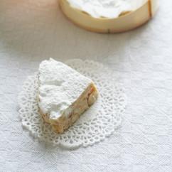 ホワイトクランチチョコレート
