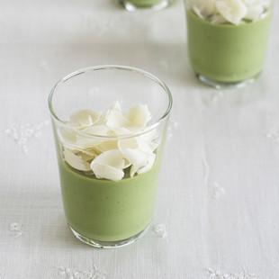抹茶とホワイトチョコレートのグラス