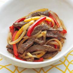 牛肉とパプリカのゆずこしょう炒め