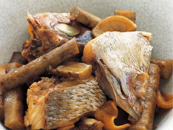 鯛のあらとごぼうの煮もの