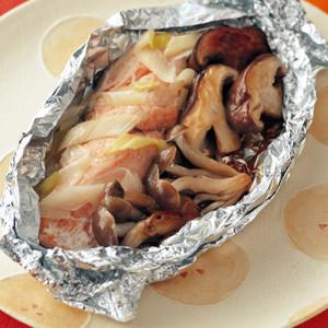 きのこと鮭の包み焼き