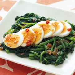 ほうれん草とゆで卵の韓国風サラダ