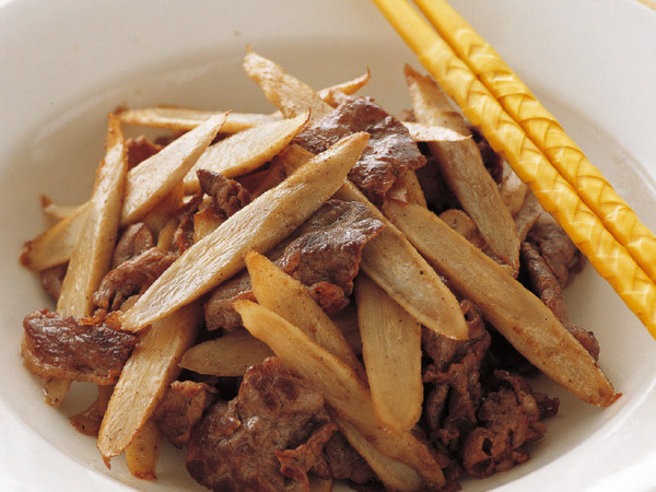 ごぼうと牛肉の塩炒め