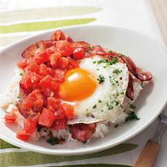 トマトベーコンエッグライス