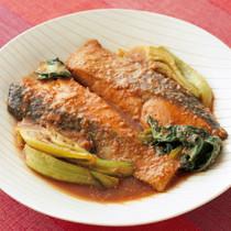 鮭と青梗菜のごまみそ煮