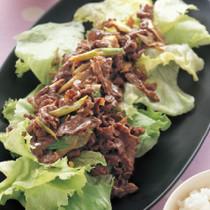 レタスの牛肉炒めのせ
