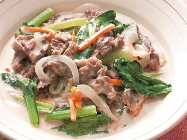 牛肉と小松菜のクリーム煮