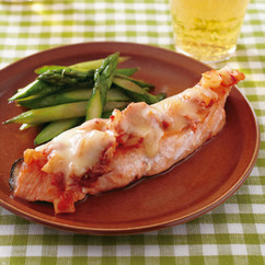 鮭のキムチーズソテー