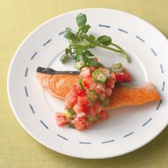 鮭のソテー トマトソース