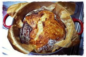 シンプル、捏ねない!ルクルーゼで焼くパン