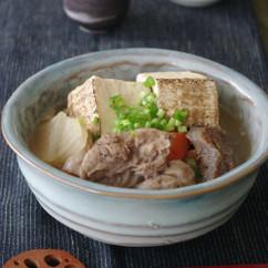 牛すじ煮込み豆腐
