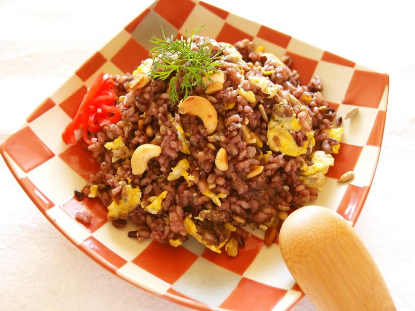 玄米+黒米のナッツガーリックチャーハン