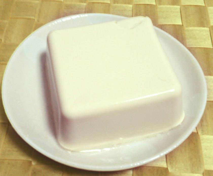 大豆もしくは豆乳から手作り・絹ごし豆腐