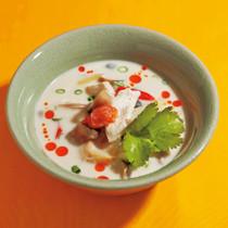 鶏肉のココナッツスープ