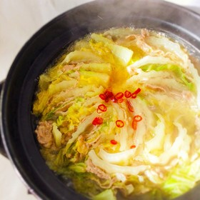 鶏味塩 de 豚肉と白菜のミルフィーユ鍋