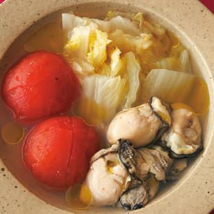 白菜、かき、トマトのスープ煮