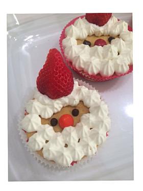 クリスマスに☆サンタさんのカップケーキ