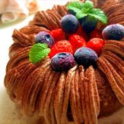エンゼル型チョコレートケーキの写真