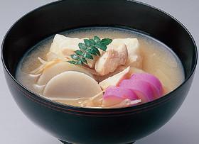 里芋と鶏の白みそのお雑煮