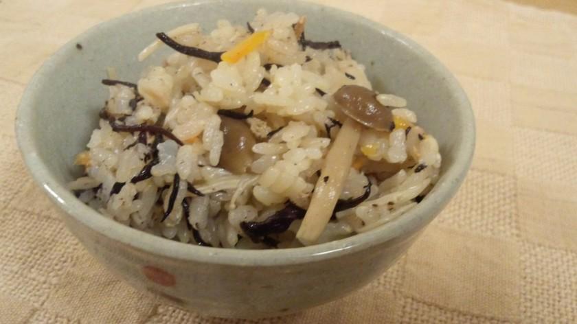 たっぷり美味しい炊き込みご飯(4合)