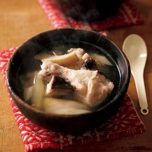 ねぎと鶏肉のサムゲタン風スープ