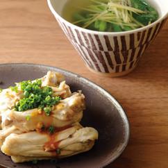 ゆで鶏手羽と小松菜しょうがスープ
