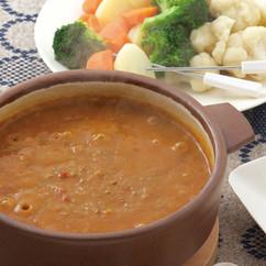 牛ひき肉のカレーフォンデュ鍋