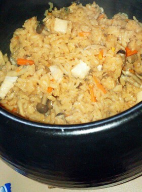 鶏と干しえのきのたきこみご飯