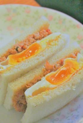 簡単!ガパオのタイ風味サンドイッチ