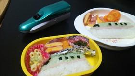 新幹線 はやぶさのお弁当*.。